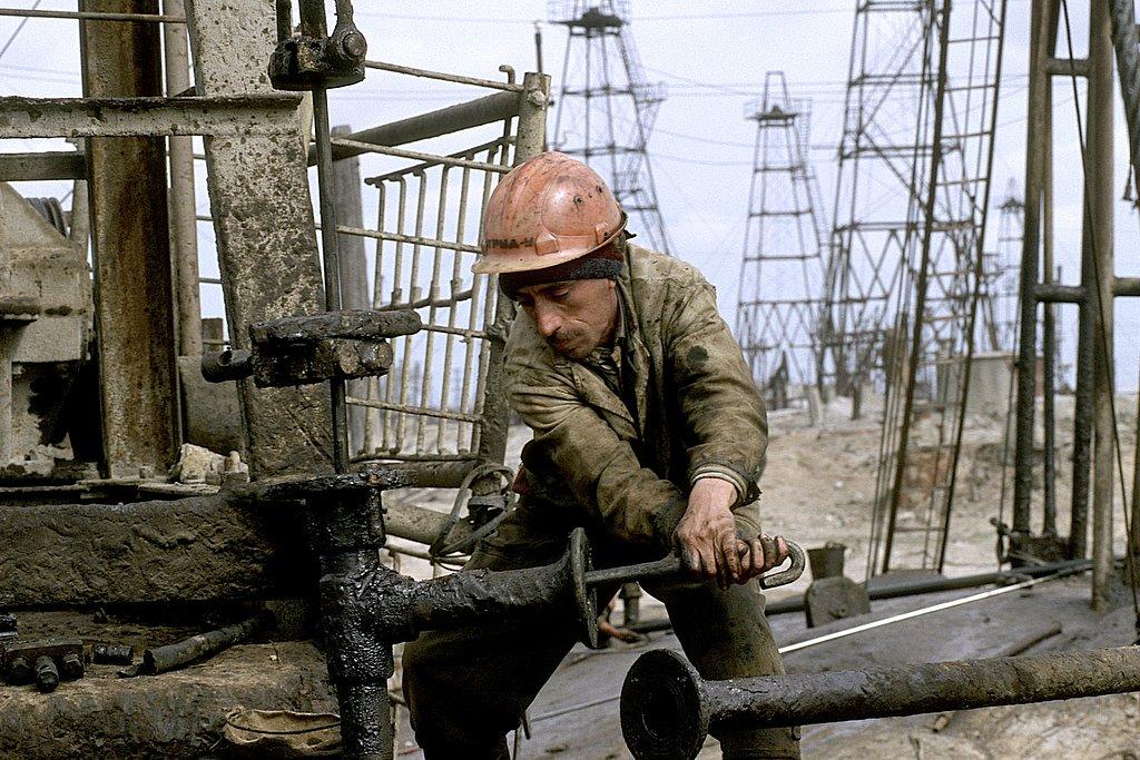 M98AZ0327-Worker31-2604