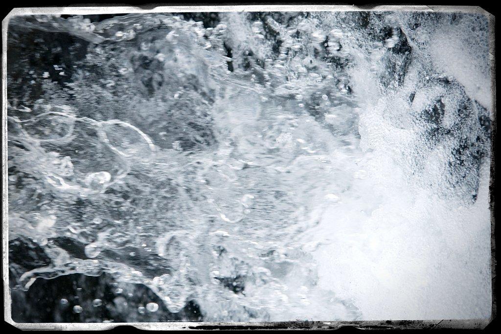M08KOS1121-Water6037.jpg